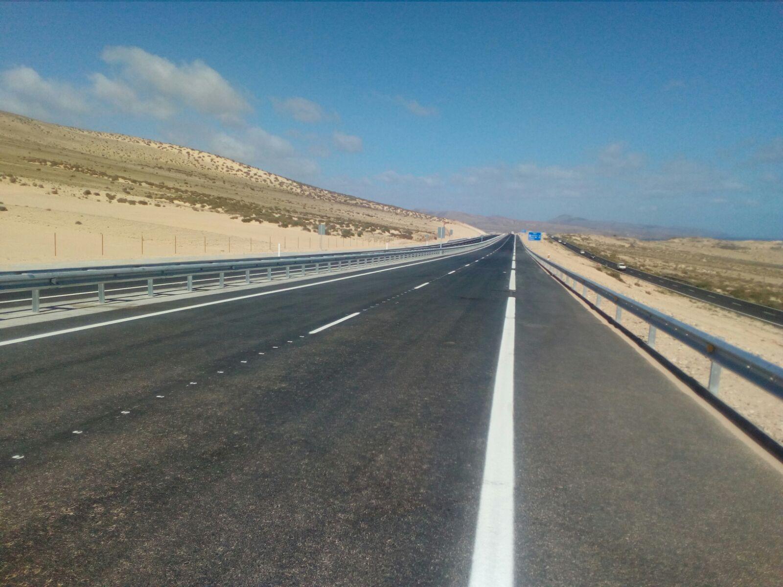 Resultado de imagen de Abren al tráfico la autovía de Costa Calma,